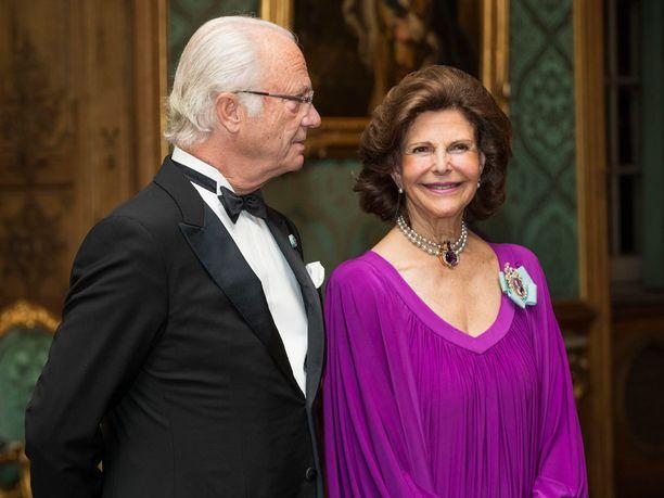 Violetti sopi kauniisti kuningatar Silvialle.