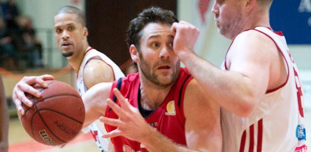 Ryan McDade lähtee Loimaalta.