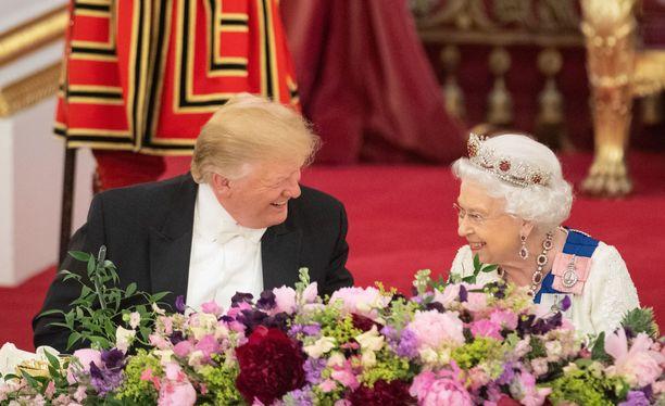 Muun muassa Donald Trump on osallistunut Buckinghamin palatsissa illalliselle.