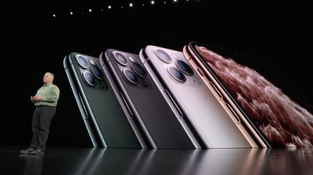 iPhone Pro tulee saataville neljässä värissä.
