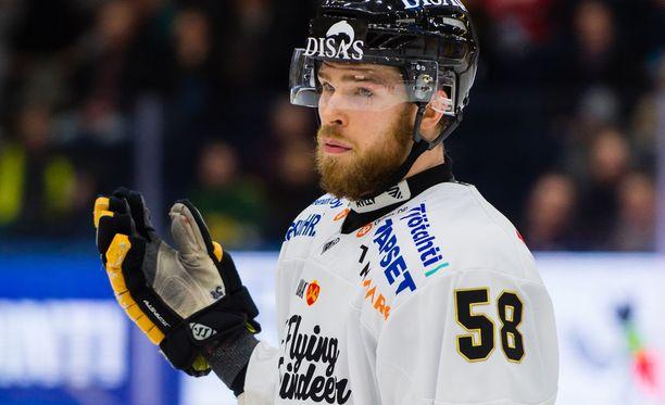 Jani Hakanpä on pelikelpoinen, kun Kärpät ja HIFK kohtaa viidennen kerran joukkueiden välisessä välieräsarjassa.