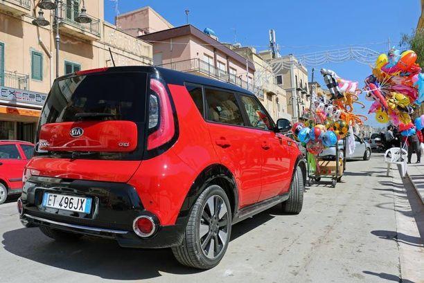 Kia Soul edustaa yhtä automaailman nykytrendiä eli sen voi tuunata tavallista omaperäisemmäksi jo ennen ostoa.