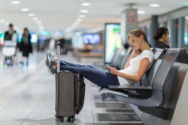 Matkatavarat kannattaa pitää aina näköetäisyydellä.