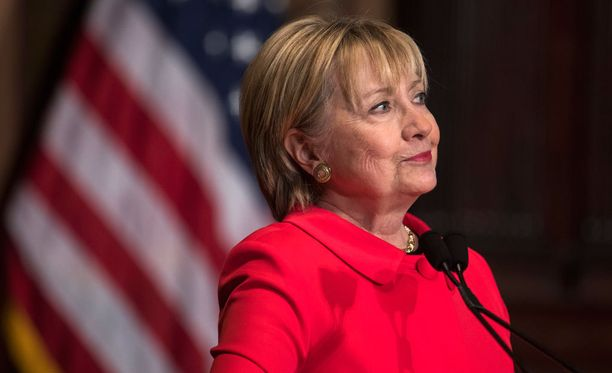 Clinton arvelee monien amerikkalaisten pitävän naispresidenttiä edelleen uhkana.