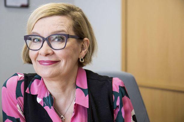 Yritysten kasvun pullonkaulat on poistettava, ja Suomeen on saatava maailman parhaat osaajat. Yksi keino tähän ovat startup-oleskeluluvat, kertoi ministeri Paula Risikko lauantaina.