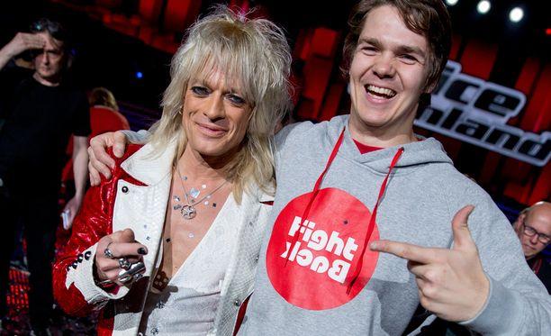 Pekka Hyysalo saapui The Voice of Finlandin finaaliin Michael Monroen kutsumana.