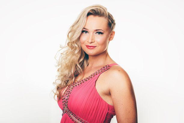 Jenni Hartikainen, 27, Helsingistä.