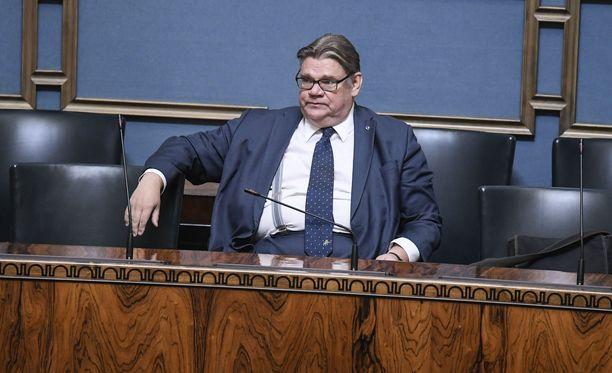 Ulkoministeri Timo Soini (sin) eduskunnan täysistunnossa 19.9.2018.