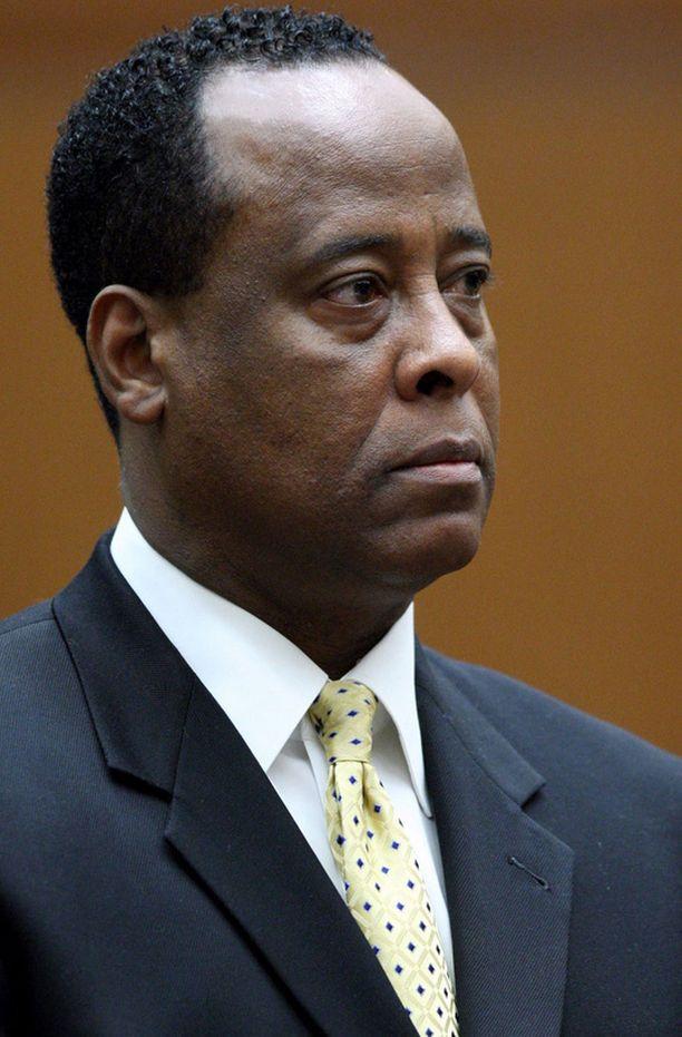 Syyttäjän mukaan lääkäri Conrad Murray teki useita virheitä Jacksonin kuolinpäivänä.