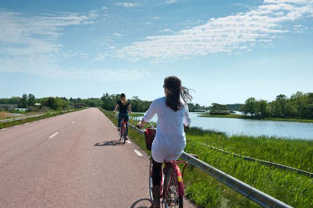 Ahvenanmaalla on mainio pyöräillä.