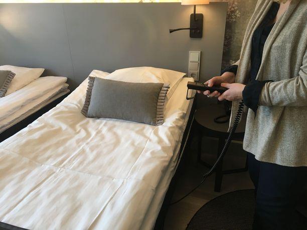 Scandic Parkin esteettämissä hotellihuoneissa on sähkötoimiset sängyt.
