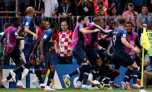 Paul Pogba teki turnauksen avausmaalinsa herkulliseen saumaan. Manchester United -tähden 3-1-maali jäi MM-finaalin voittomaaliksi.