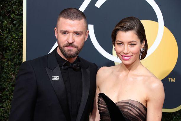 Justin Timberlake ja Jessica Biel Gold edustivat yhdessä Globe -gaalassa alkuvuonna.