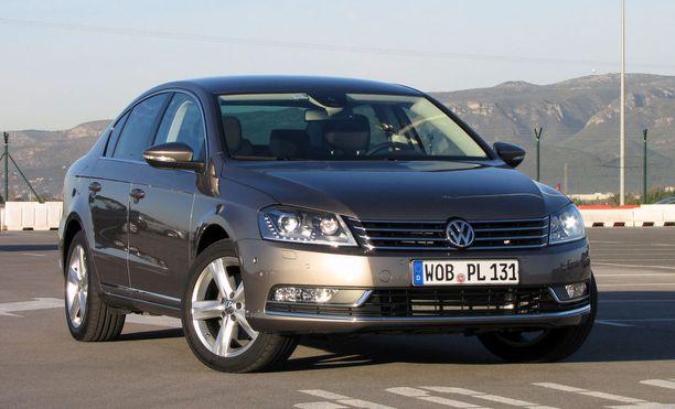 Volkswagen Passatista monilla on kokemuksia. Kuvan Passat vuodelta 2010.