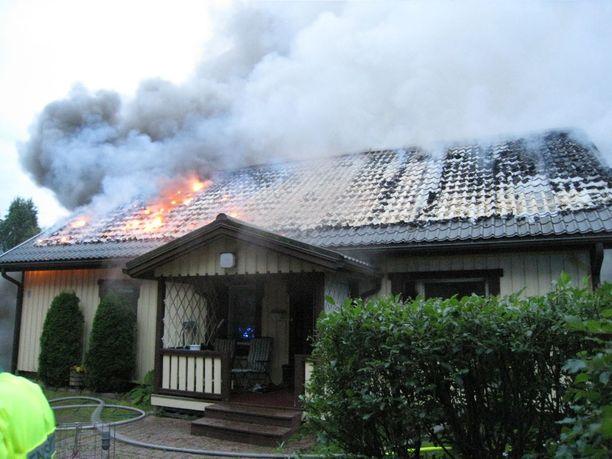 Palovaroitin pelasti asukkaan Lapualla sattuneesta tulipalosta viime hetkillä.