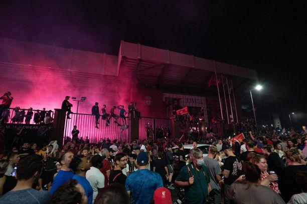 Liverpoolin kannattajat kokoontuivat juhlimaan.