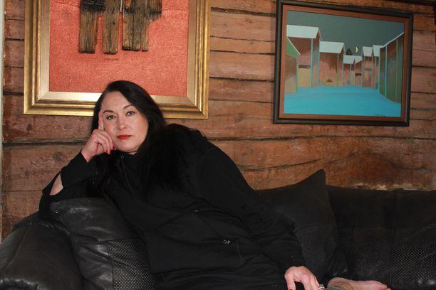 Juhani Palmun puoliso Leila Palmu kaipaa taiteilijaa kotiin.