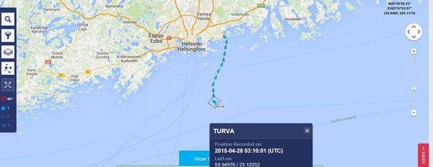 Ruutukaappaus Marine Traffic -sivustolta näyttää ulkovartiolaiva Turvan liikkeet tiistain vastaisena yönä.