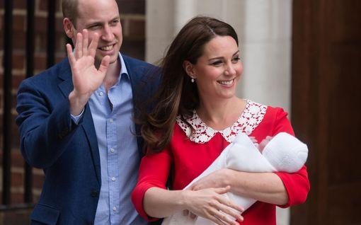 Prinssi William viittasi prinsessa Dianaan: Isäksi tuleminen nosti traumaattisen kokemuksen mieleen