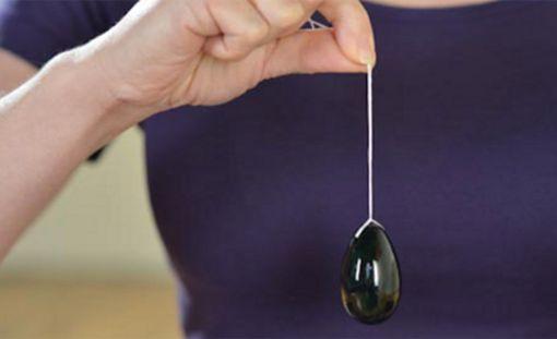 Jade-pallo pidetään sisällä vaginan lihaksilla.