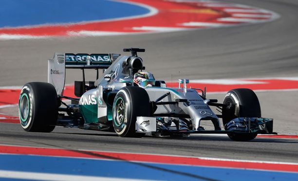 Lewis Hamilton kaasutteli ensimmäisen osion nopeimman ajan.
