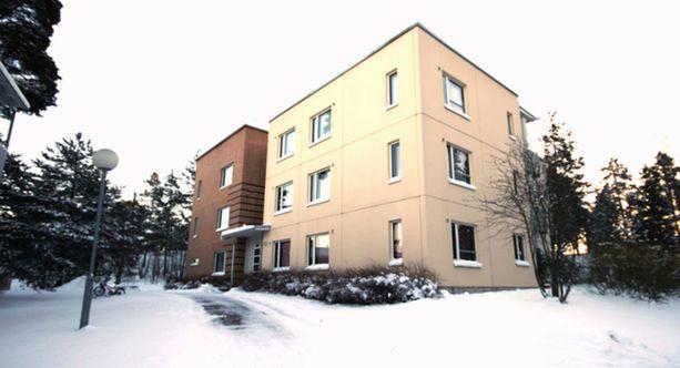 Tämä kerrostalokolmio sijaitsee Helsingin Meri-Rastilassa. Asunnossa on 73,5 neliötä ja sen pyyntihinta on 199 500 euroa.