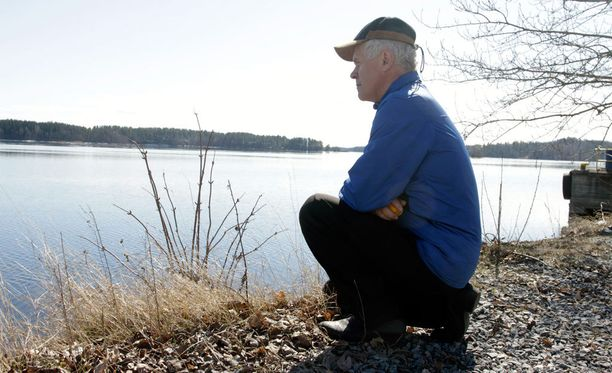 Reino Savukoski ryhtyi vapaaehtoiseksi etsijäksi vuonna 1989, kun hänen paras ystävänsä hukkui Simpelejärveen.