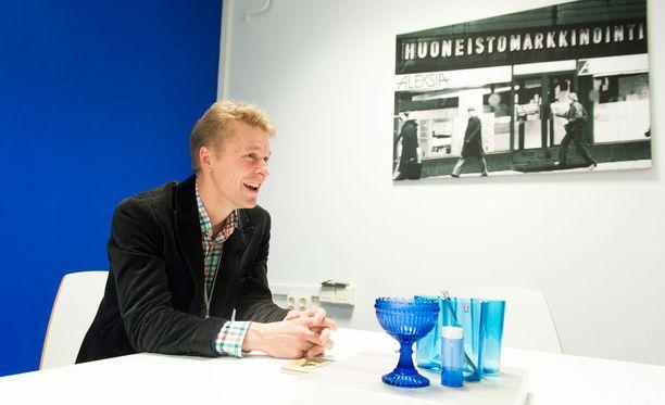 Toni Nieminen ei enää ole töissä kiinteistövälitysfirmassa.