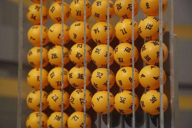 Lotto arvotaan poikkeuksellisesti sunnuntaina.