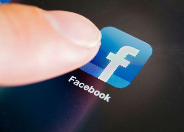 Kuolleen ihmisen Facebook-profiili voidaan muuttaa muistosivuksi tai poistaa kokonaan. Aina se ei kuitenkaan onnistu.