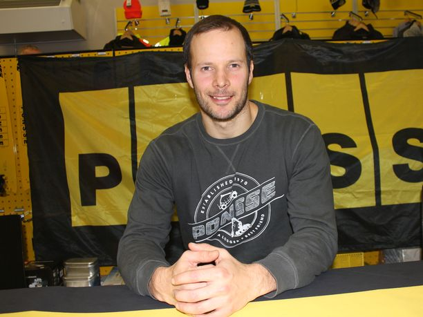 Tero Pitkämäki ilmoitti jatkavansa urheilu-uraansa, vaikka lopettaminenkin oli käynyt mielessä.