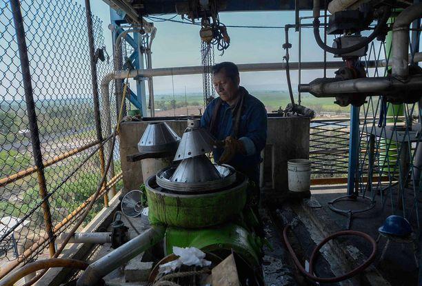 Monet meksikolaiset tehtaat ovat alkaneet valmistaa desinfiointigeeliä alkoholin sijaan.
