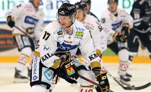 Mika Pyörälä on ollut alkukaudella Kärppien tehokkain pelaaja pistein 2+2.
