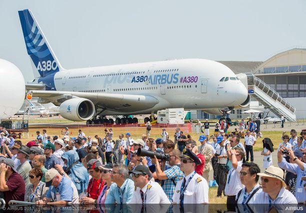 Airbus A380 on ollut vuodesta 2007 lähtien maailman suurin matkustajakone.