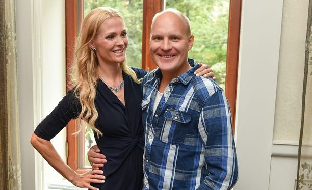 Kalle Palanderin mukaan hänen ja Riiniksen suhdeongelmat ovat historiaa ja pari ei ole koskaan ollut rakastuneempi.