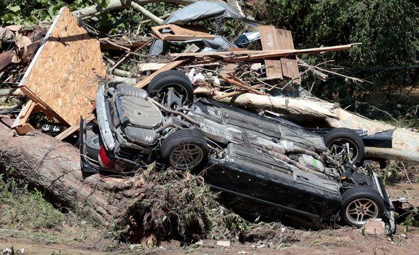 Rankkasateiden nostama tulva on aiheuttanut hurjaa tuhoa Kentuckyssa.