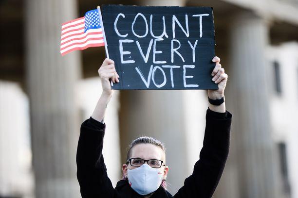 Lopulta vaaleissa on kyse amerikkalaisten päätöksestä.