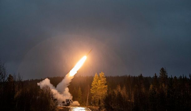 Maavoimat testasi lauantaina GPS-ohjattavia täsmäraketteja Rovajärvellä, Lapissa.