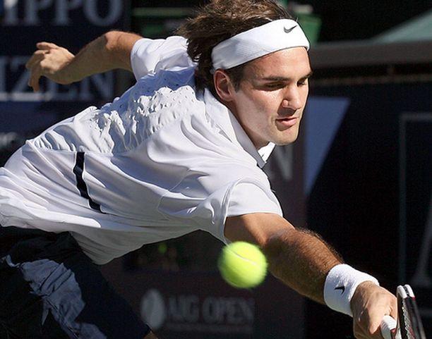 Roger Federer piti ottelun hallussaan alusta alkaen.