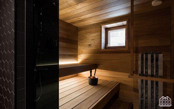 Hämyisä tunnelma luodaan asentamalla valot lauteiden alle tai lauteiden selkänojiin.