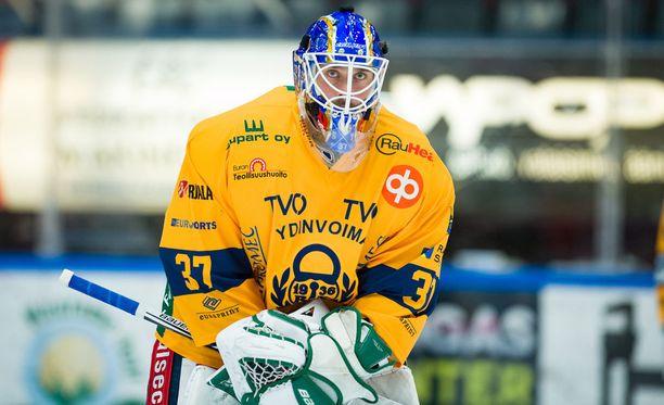 Sebastian Ylönen teki miehen työn ensimmäisessä liigastartissaan.
