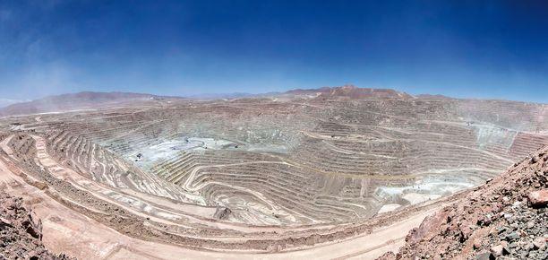 Suurimmat Litiumkaivokset sijaitsevat Chilessä ja Australiassa. Tämä kuva on Chilen suola-aavikon kaivokselta.