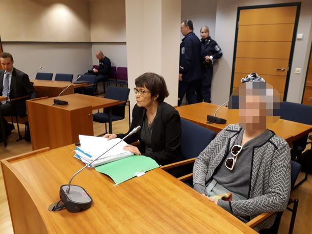 Sastamalalainen nainen kiisti oikeudessa syyllistyneensä tappoon. Häntä avustaa oikeudessa asianajaja Riitta Laakso.