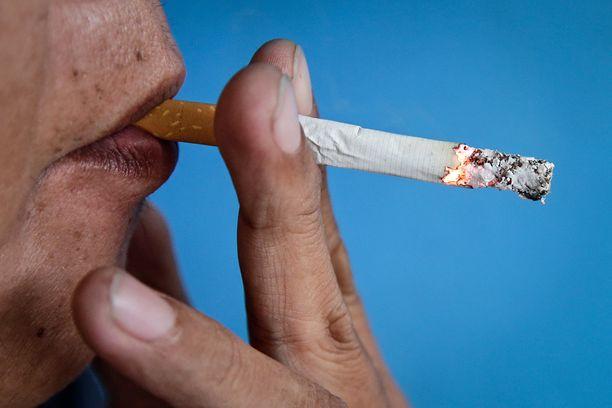 Savukeaskissa varoiteltiin tupakoinnin tukkivan verisuonet. (Kuvituskuva)