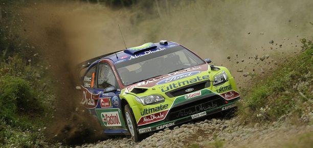Mikko Hirvonen tippui teknisten ongelmien vuoksi kilpailun kärkikahinoista.