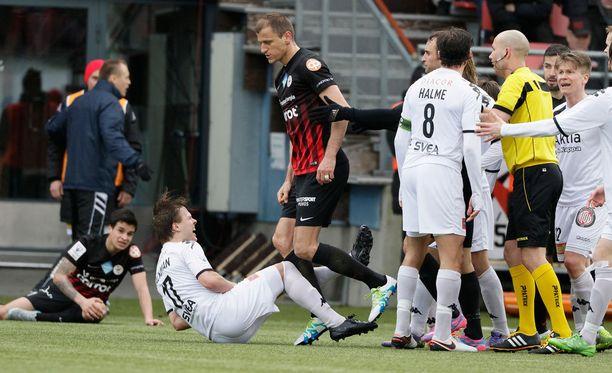 Njazi Kuqi näki punaista viimeksi HIFK:ta vastaan.