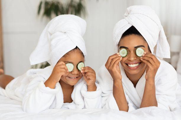 Kasvohoito tavalla tai toisella on ihana äitienpäivälahja.