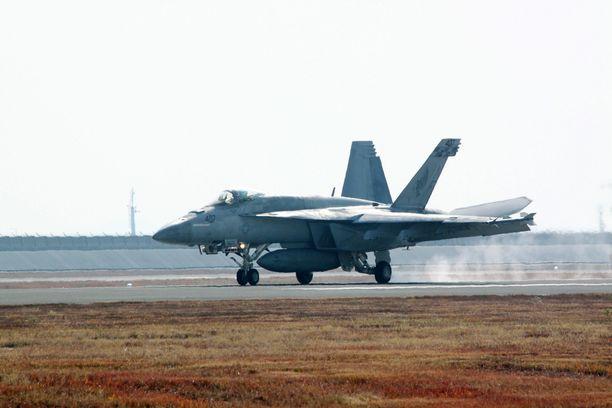 Yhdysvaltain F/A-18 Hornet Japanissa marraskuussa 2017. Kuvituskuva