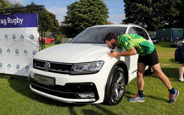 Volkswagen porskuttaa Euroopan myynnillään eteenpäin kolhuista huolimatta. Yksi myyntivaltti on tässä, upouusi Tiguan.