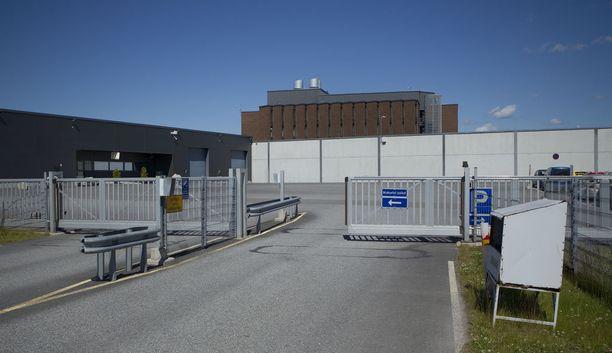 Turun terrori-iskusta epäilty Abderrahman Bouanane siirrettiin keskiviikkona Hämeen vankisairaalasta Turun Saramäen vankilaan (kuvassa). Hänen epäillään olevan kiinnostunut ääriajattelusta.